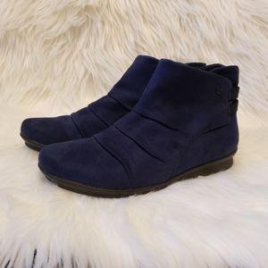 NWT Bossola  boots